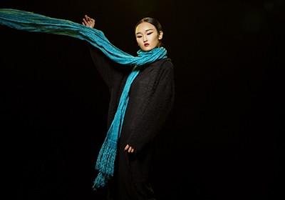 楊麗萍設計服裝